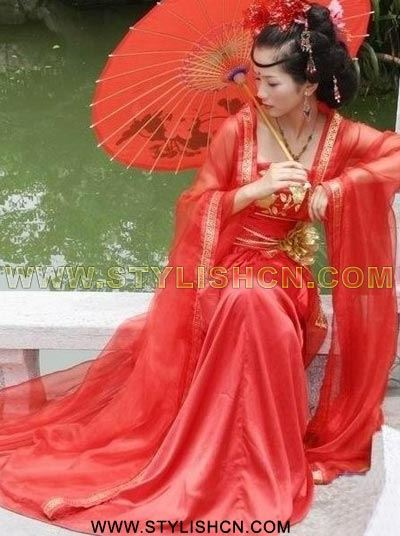The secret of the red color in chinese weddings rinnoo for Chinese website for wedding dresses