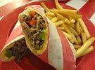 عشاء في مطعم فرايديز - مجمع الافنيوز