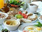 بوفيه الفطور في مطعم قصر النخيل اللبناني