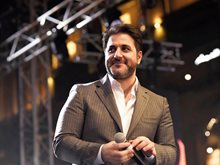 Melhem Zein Continues Concert after Horrible Car Accident