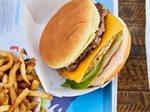 افتتاح فرع جديد لمطعم إليفيشن برجر في مجمع البروميناد