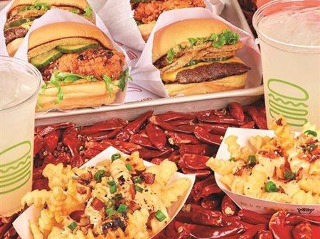 مطعم شيك شاك يقـدم قائمة السيشوان المستوحاة من النكهات الآسيويـة لفترة محـدودة فقـط