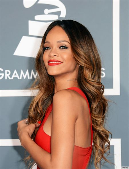 Charming Rihanna Sparkles @Grammy Awards Event
