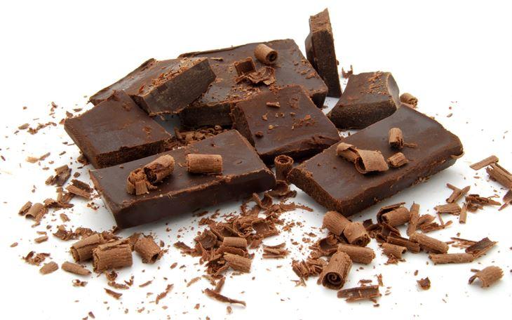 هل تناول الحلويات يقضي على القلق والتوتر؟