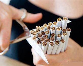 السيجارة التي ترميها تحت قدميك الآن ... ستنتقم وترميك هي يوما ما!