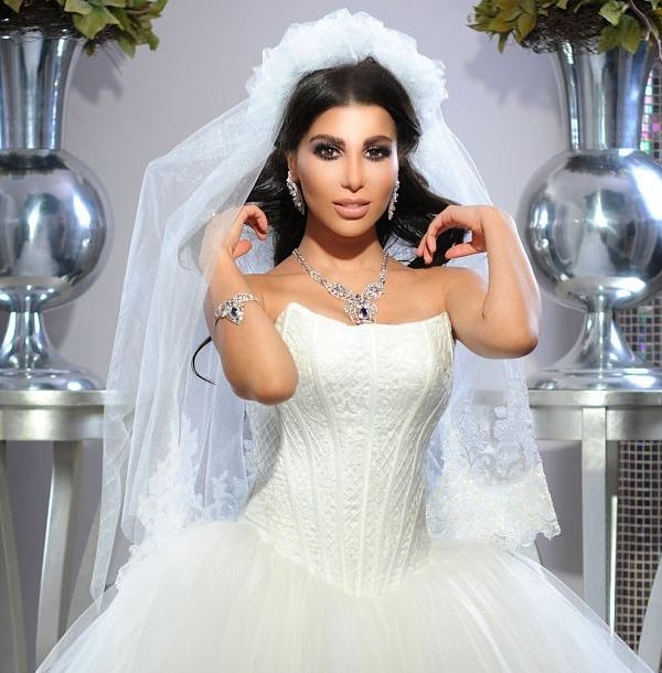 Marina Fm presenter Sazdel sparkles in a cute bridal look