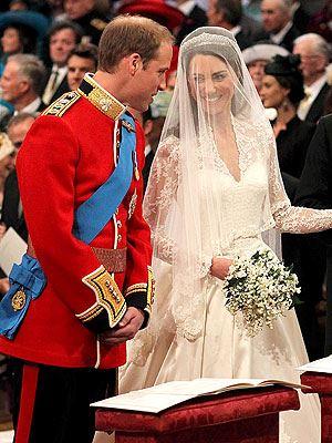 الصورة 1235 بتاريخ 29 أبريل / نيسان 2013 - الأمير البريطاني ويليام يحتفل اليوم بعيد زواجه الثاني مع زوجته كاتي