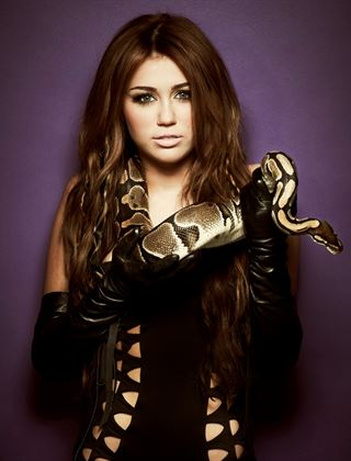 Beautiful women photo shoots with snakes!
