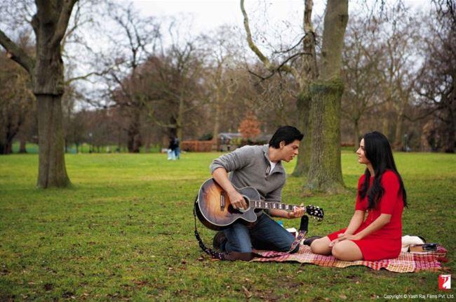 لماذا لا يعبر الرجل العربي عن مشاعره تجاه حبيبته الا نادرا؟