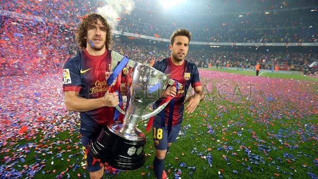 بالصور ... تتويج برشلونة بلقب الليغا رُغم المشاكل التي هزت الفريق مؤخرا