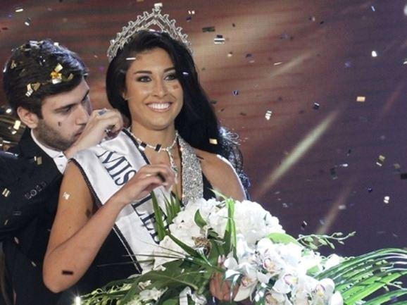 الصورة 1658 بتاريخ 3 سبتمبر / أيلول 2013 - كارن غراوي على عرش الجمال اللبناني