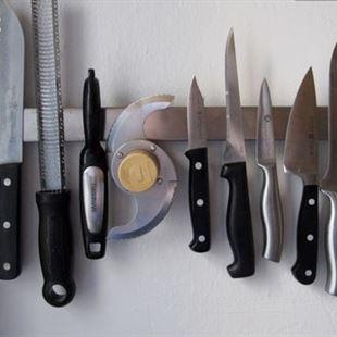 5 طرق لتوضيب السكاكين في المطبخ بشكل آمن