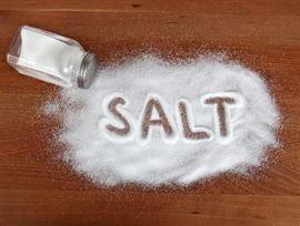 تعرف على الرابط بين الملح وترقق العظام