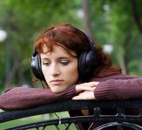 الموسيقى الحزينة تجلب الراحة النفسية أكثر من الموسيقى الفرحة؟!