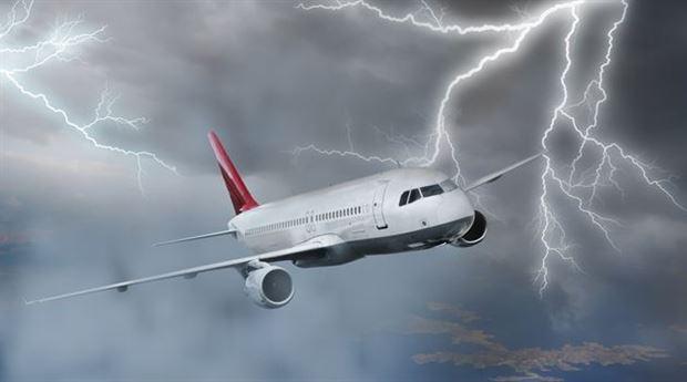 Do Lightning strikes cause plane crashes?