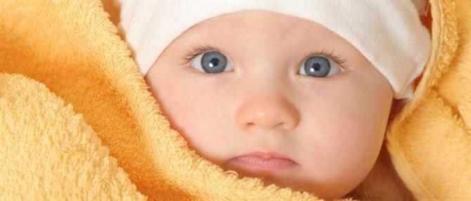 كيف نتواصل مع الطفل قبل ان يبدأ بالكلام؟