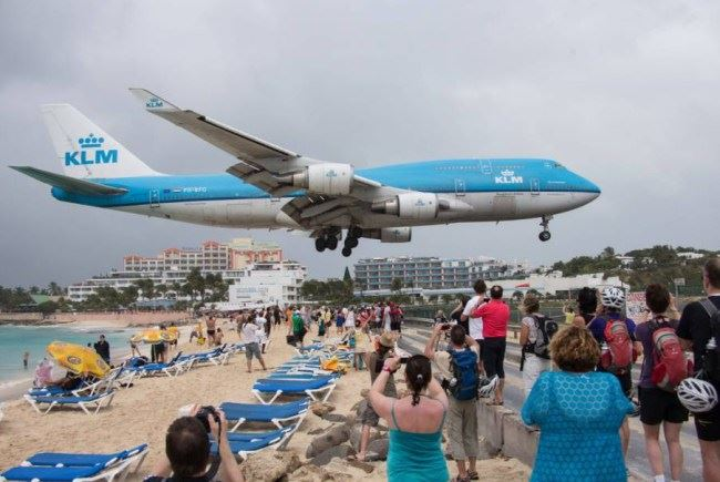 3 terrifying airports to land at
