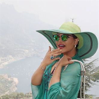 بالصور ... اجازة الفنانة الاماراتية احلام في اوروبا