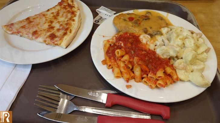 غداء شهي في مطعم سبارو الايطالي