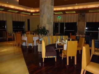 Buffet Dinner at Atlantis Restaurant in Marina Hotel