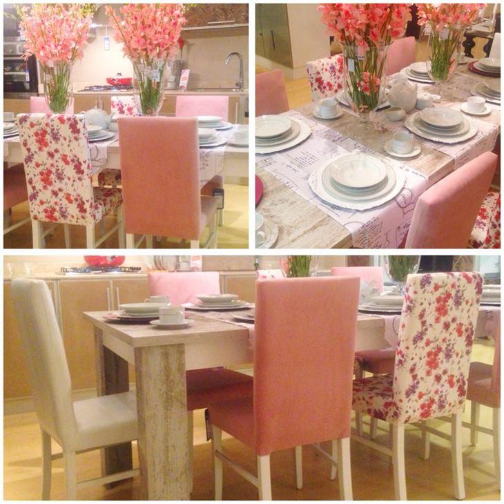 طاولة طعام لـ 8 أشخاص بـ 79 دك والكرسي الواحد بـ 20 دك، أي مجموع الطاولة مع 8 كراسي: 79 + 160 = 239 دك