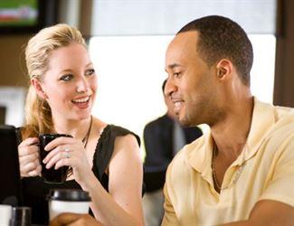 10 صفات تحبها المرأة في الرجل