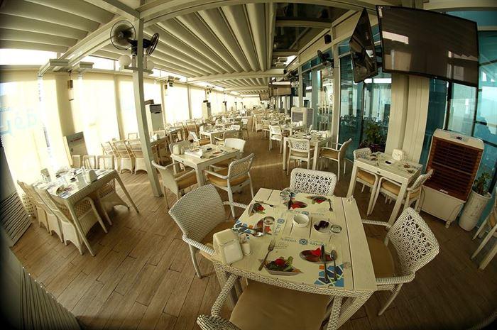 مطعم الشرفة في دبي