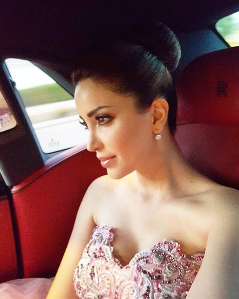 بالصور ... الممثلة نسرين طافش باطلالة ساحرة
