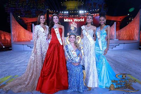 لقطة لفاليري ابو شقرا مع الحسنوات بعد فوز ملكة جمال اسبانيا
