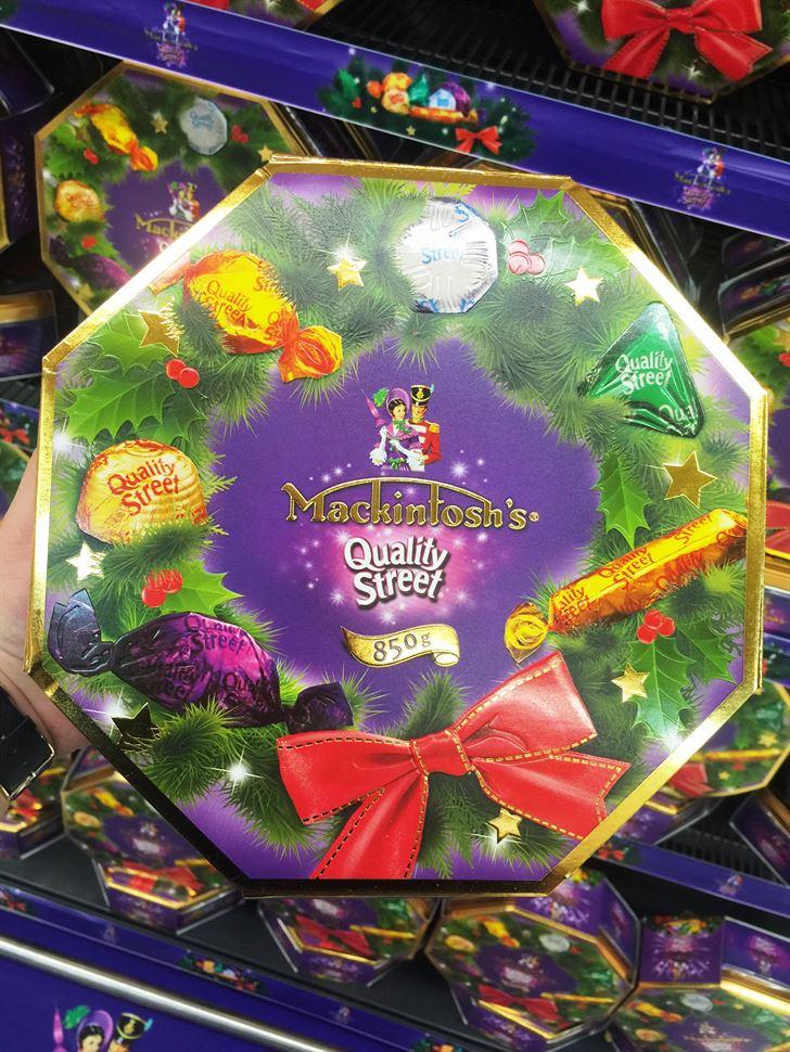علبة شوكولاتة ماكنتوش بحلة جديدة خاصة بالعيد