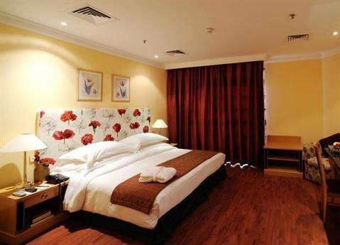الصورة 9821 بتاريخ 11 مارس / آذار 2015 - فندق لو رويال الكويت
