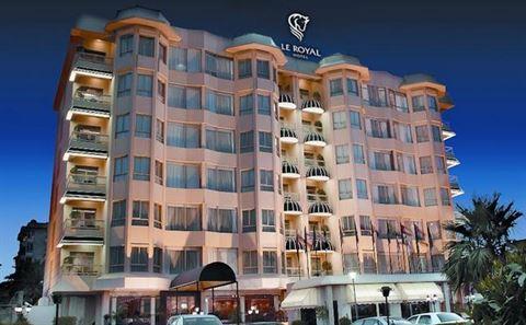 الصورة 9822 بتاريخ 11 مارس / آذار 2015 - فندق لو رويال الكويت