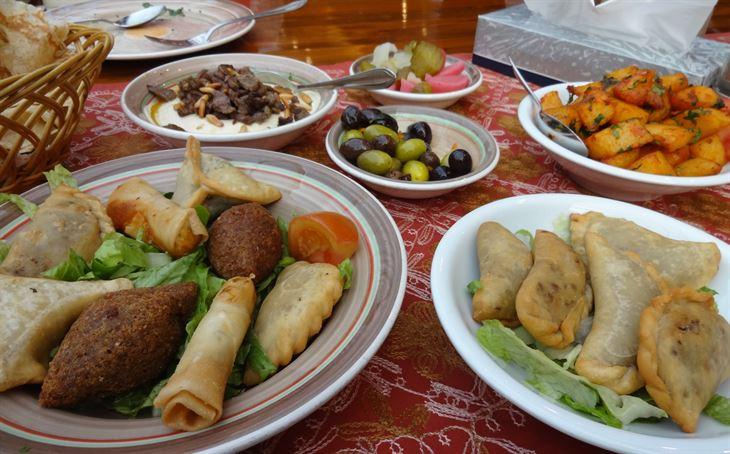 غداء رائع في مطعم الطربوش في الجراند أفنيوز