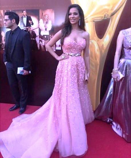 الممثلة اللبنانية نادين نسيب نجيم في الموريكس دور