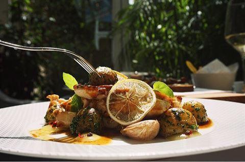 Photo 28858 on date 5 November 2016 - La Petite Table Restaurant