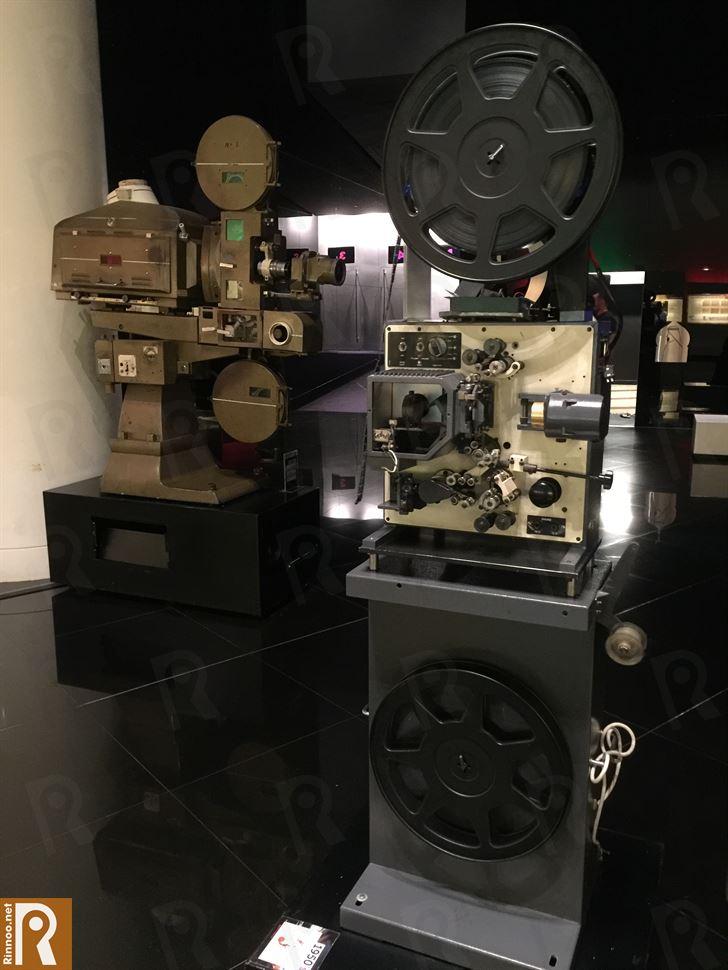 آلات العرض القديمة في السينما ... بواسطتها يتم تشغيل الأفلام