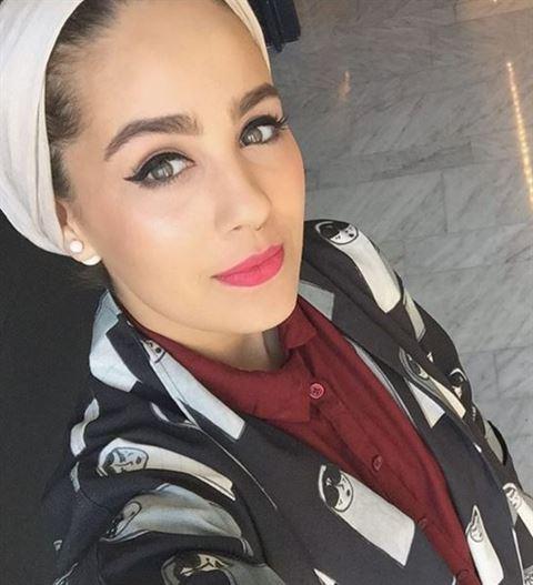 Ascia with makeup