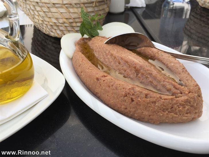 Kibbeh Niyyeh with Olive oil