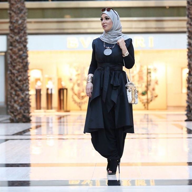 استوحي اطلالتك بالحجاب من جمال النجادة