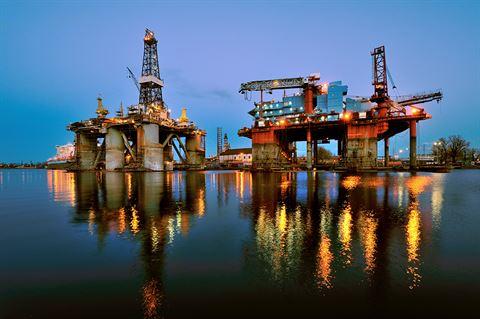 تداول النفط والقفزة النوعية التي حققها مع تطور التكنولوجيات