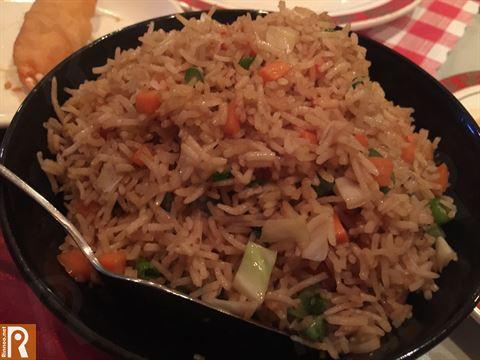 أرز مقلي مع الخضار