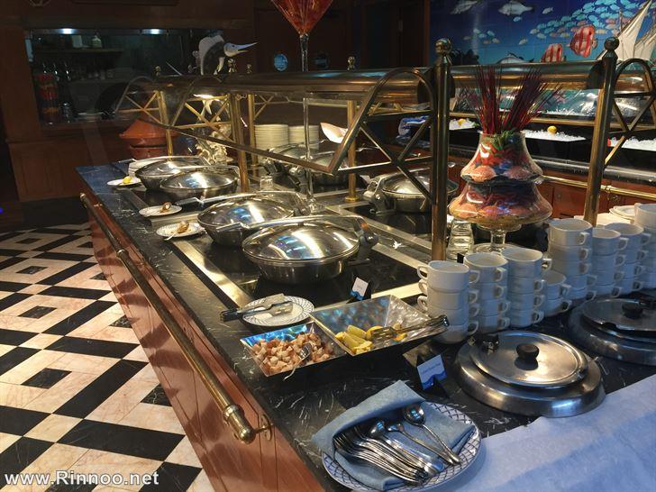 Al Noukhaza restaurant Buffet details