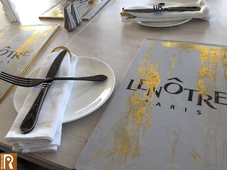 غداء في مطعم لونوتر الفرنسي