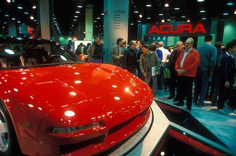 أول ظهور لسيارة الـNSX في معرض شيكاغو للسيارات في فبراير/شباط سنة 1989