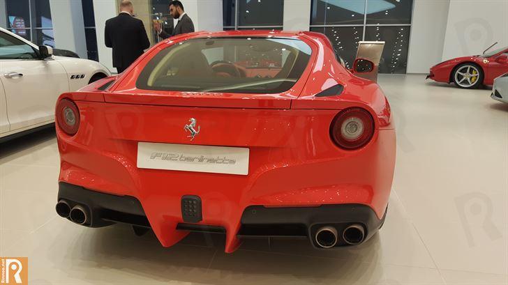 فيراري إف12 (F12) بيرلينيتا - من الخلف