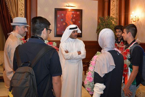 رئيس مجلس إدارة النادي العلمي الكويتي طلال جاسم الخرافي مهنئاً أبناء النادي بالفوز