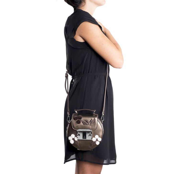"""الصورة 47510 بتاريخ 2 أغسطس / آب 2017 - حقيبة يد """"آي تي ناتشور"""" الصغيرة من كروميا"""