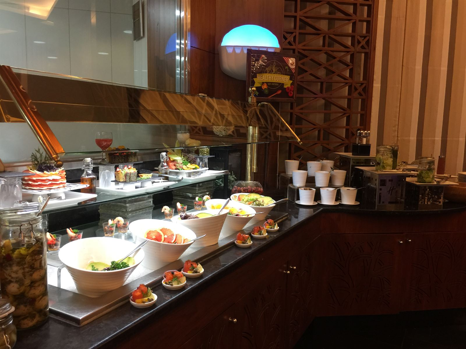 Al Diwan Restaurant Buffet In Holiday Inn Salmiya