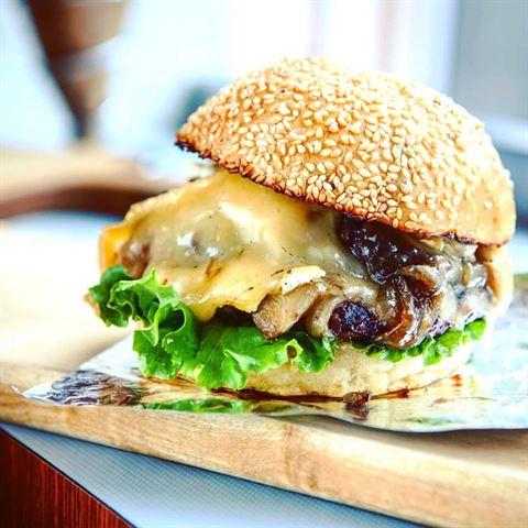 Photo 36100 on date 20 Febraury 2017 - Le Gourmet Burger Restaurant