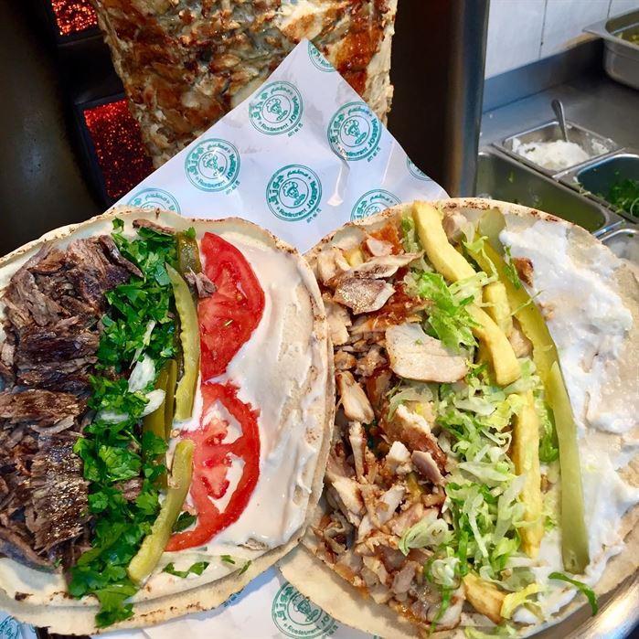 مكونات ساندويش الشاورما اللبنانية